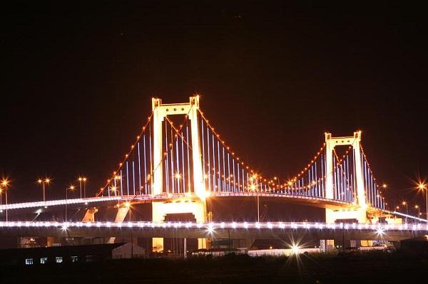 Đà Nẵng – Thành phố của những cây cầu, cầu treo dây võng Thuận Phước