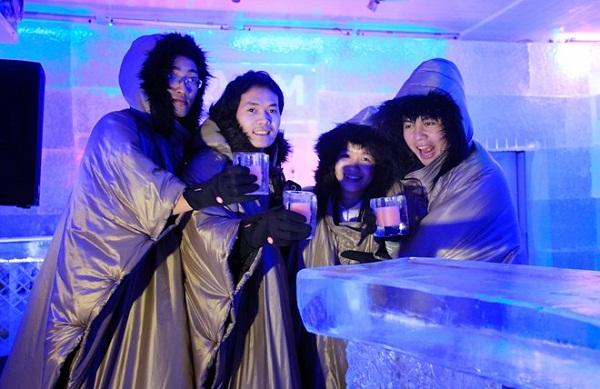 quán Bar làm từ băng tại Nha Trang, Cảm nhận cái lạnh đóng băng ở Bắc Cực ngay tại xứ nóng Việt Nam
