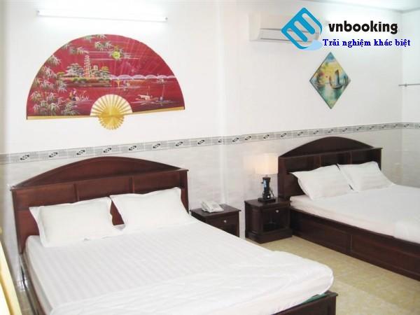 Phòng ngủ khách sạn Huỳnh Lạc